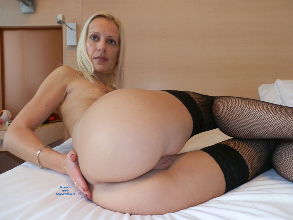 Lovely amateur hotel room voyeur pictures mir bitte