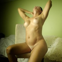 Love Showing - Wife/Wives