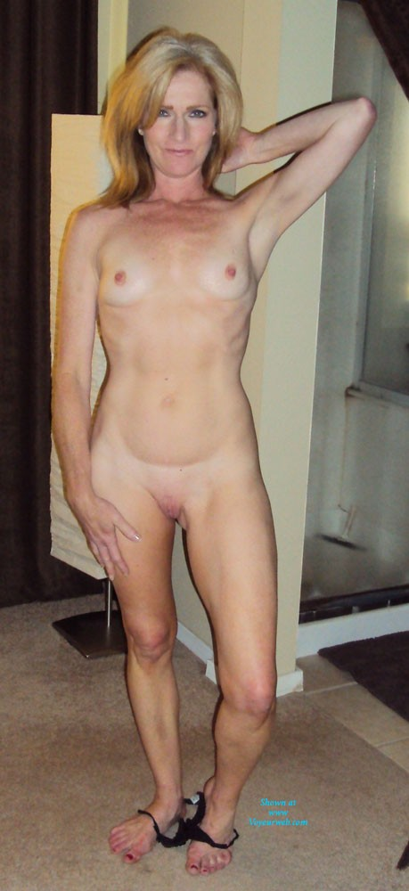 Small tit milf photos