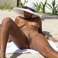 Fuck Me... Please!! - Big Tits, Pussy Lips, Round Ass, Beach Voyeur