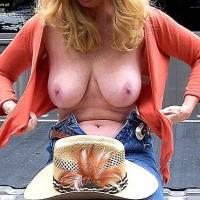 Kritter - Big Tits, Outdoors, Blonde