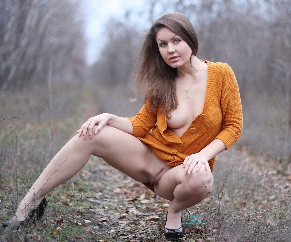 Nicole - Big Tits, Brunette Hair, Nude In Public , First December Days... Still No Snow, But Cold :) We Had Fun And Hope You Liked Uor Pictures Too As Always With LOVE Nicole