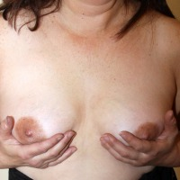 Medium tits of my wife - Barbie