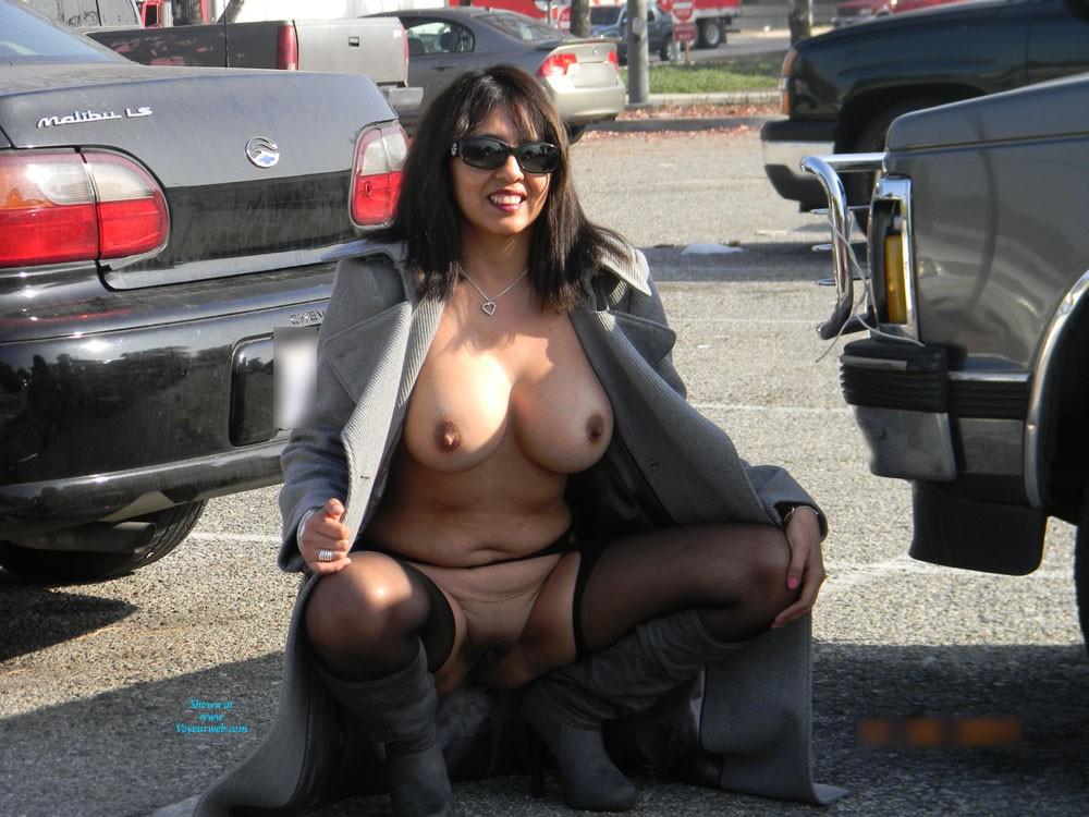 Nude in coat tits