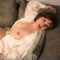Jaye - Brunette Hair, Young Woman