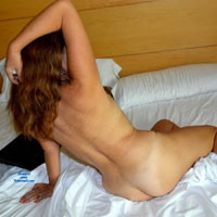 De Egreso (Frente al Espejo) - Brunette, Natural Tits, Bush Or Hairy