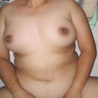 Medium tits of my wife - Genesa