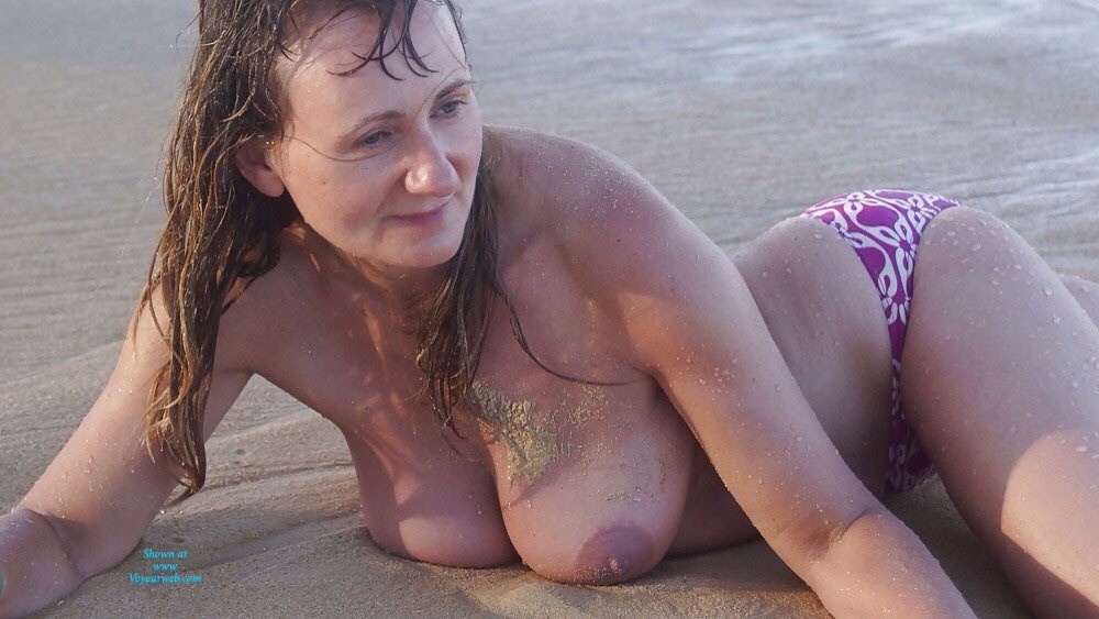 Pic #1 - Beach Tits - Big Tits, Beach Voyeur , I Love Show My Hangers And Want Give To Check It