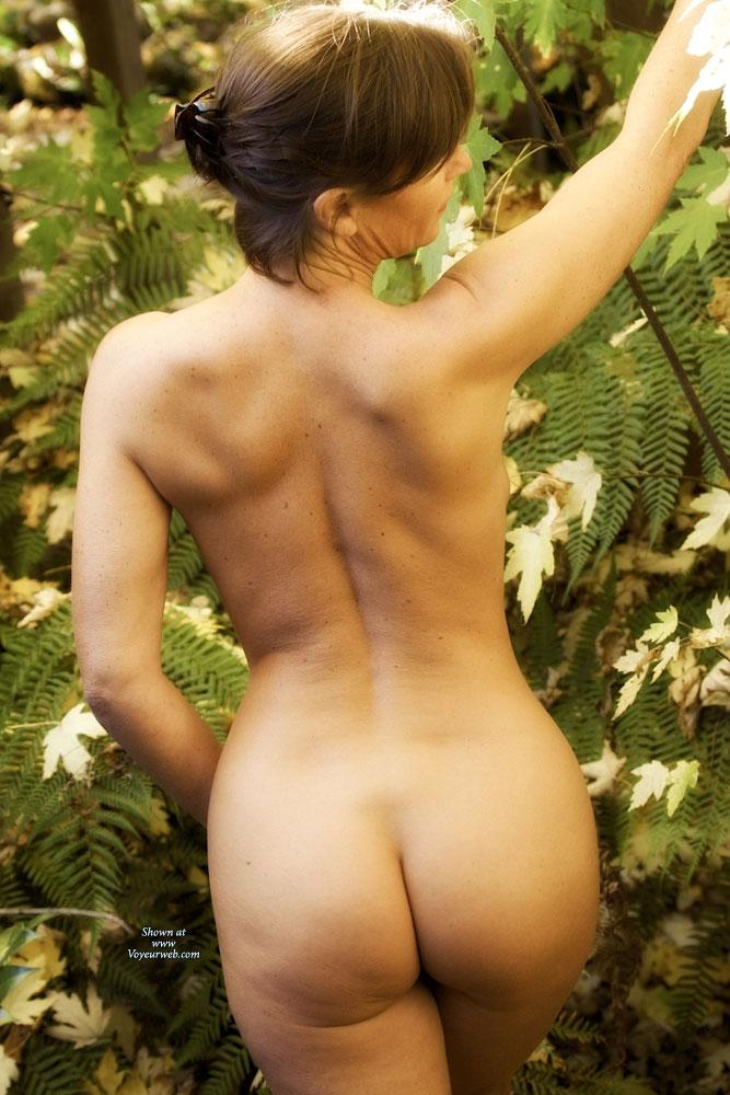 Pic #6 - Vanessab ... Autumn - Outdoors, Brunette