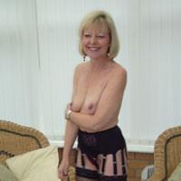 Sexy Joy - Blonde, High Heels Amateurs, Lingerie, Mature