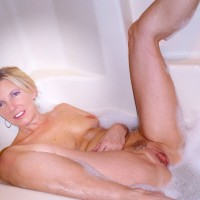 Rosa Wet & Slippery - Big Tits, Blonde