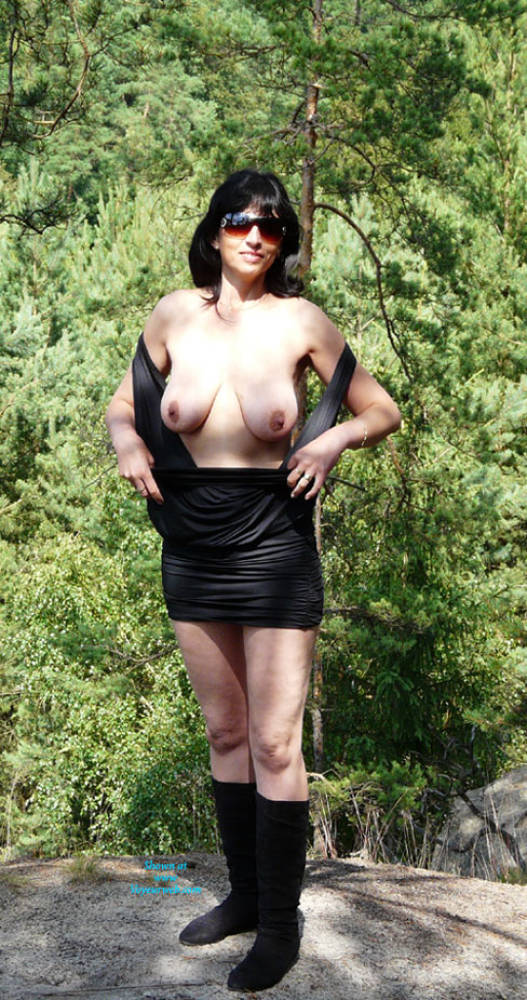 Pic #1 - In The Wood - Big Tits, Brunette Hair , When Shooting In The Woods, We Had An Unexpected Audience ... :-) Shooting Continued In Three Unconventional. But Those Photos Are Private.