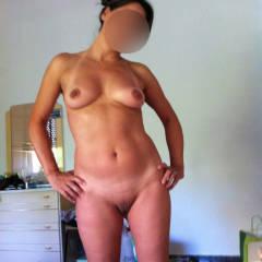 Nue - Medium Tits