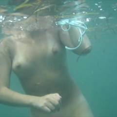 JJmidwest's Snorkeling Nude In The Bahamas - Medium Tits, Shaved