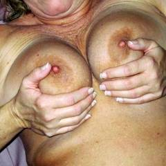 Large tits of my girlfriend - Midwest gal
