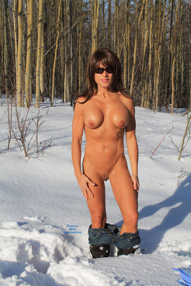fat girl naked in snow