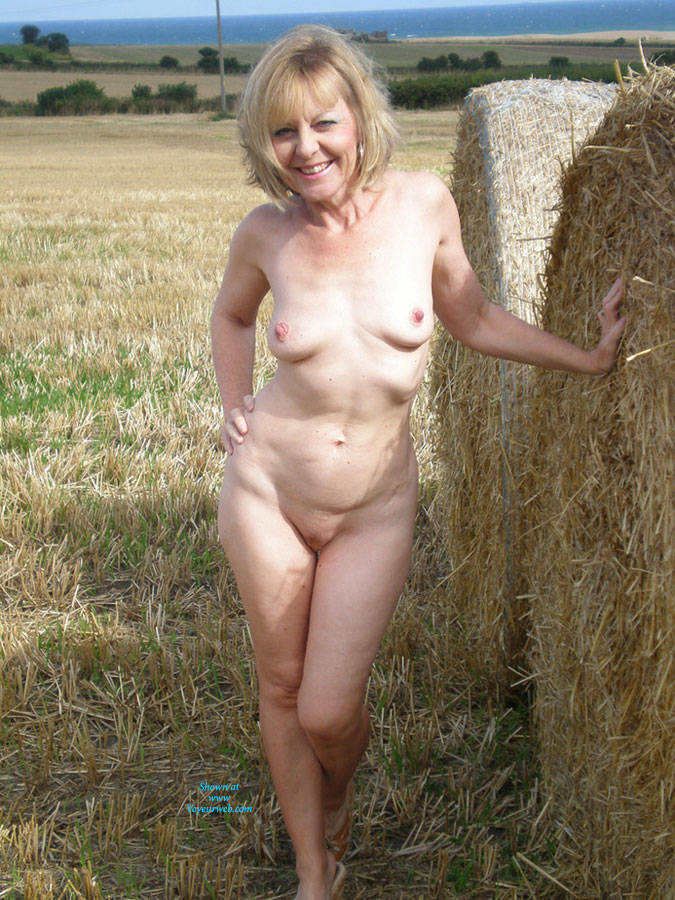 Nudist joy