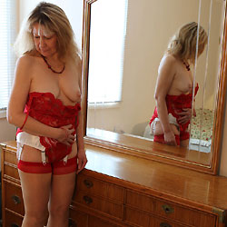 Valentine Treat - High Heels Amateurs, Lingerie, Mature