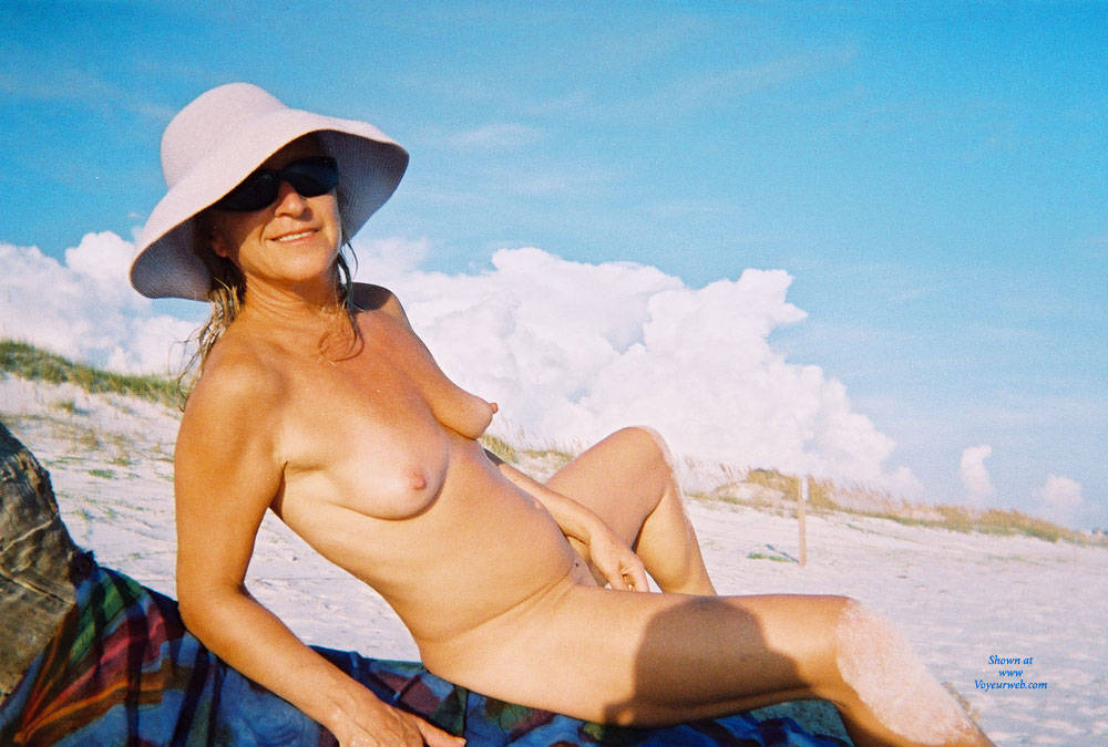 Pic #1 - Slut Linda For Your Pleasure - Perfect Tits, Beach Voyeur , Here She Is Again......