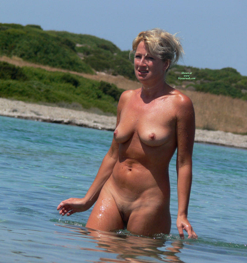 greek island nude babes