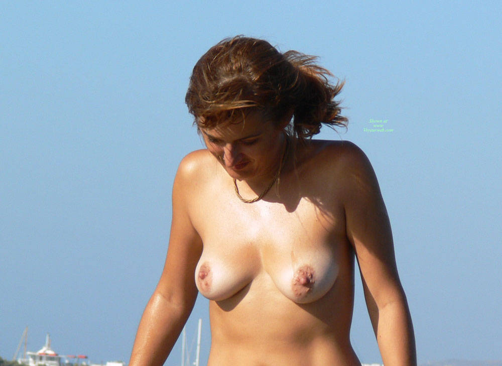 Pic #4 Beach Voyeur: Girls In Greece