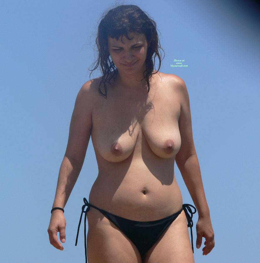 Pic #6 Beach Voyeur: Girls In Greece