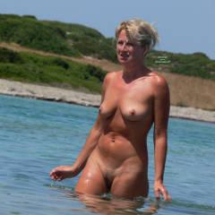 Beach Voyeur:Girls In Greece