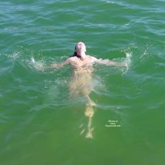 Nude Amateur:The Lake
