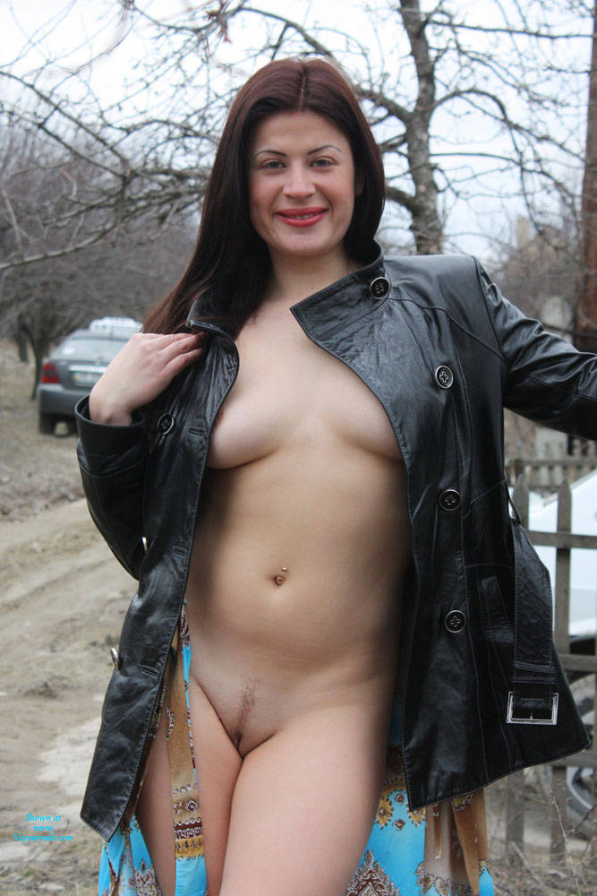 Pic #4 Sexy Viko - Big Tits, Brunette, Flashing, Public Exhibitionist, Public Place, Wife/wives