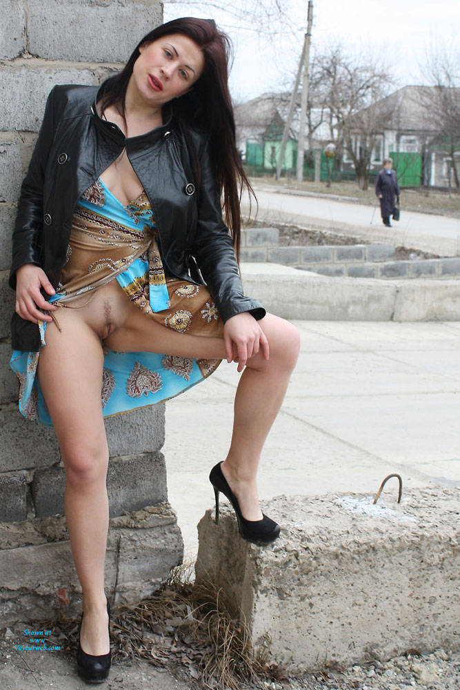 Pic #6 Sexy Viko - Big Tits, Brunette, Flashing, Public Exhibitionist, Public Place, Wife/wives