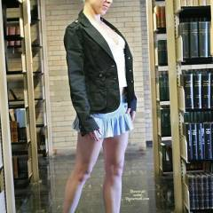 Raluca's University Library Romp 1