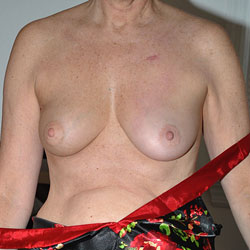 Sara in Silk - Big Tits, Shaved
