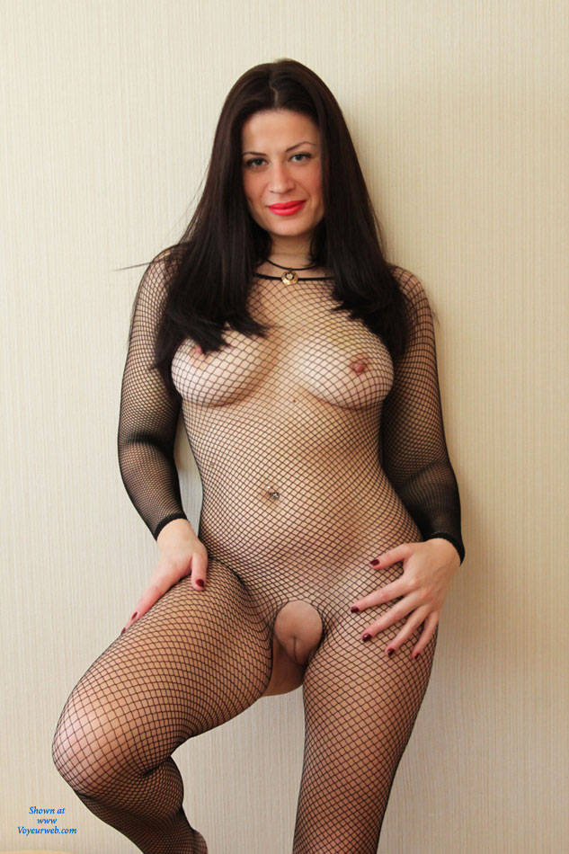 Flash upskirt milf fishnets no panty 1 2