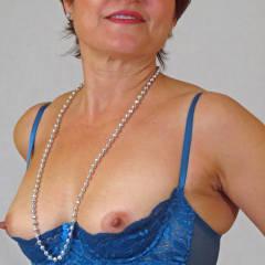 Medium tits of my wife - Mariska