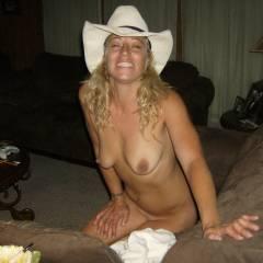 Medium tits of my wife - Dollface