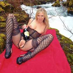 Rosa Responds to Spring - Big Tits, Blonde, High Heels Amateurs, Lingerie, Nature