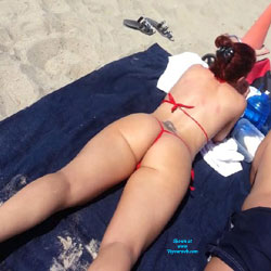 Petit String la Plage - Beach, Bikini Voyeur