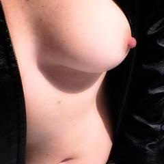 Medium tits of my wife - sohot