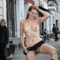 Bri Nude in Berlin - Flashing, High Heels Amateurs, Medium Tits, Public Exhibitionist, Public Place, Shaved