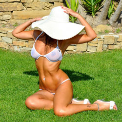 Sfizy Touch - Bikini Voyeur, Outdoors, Shaved