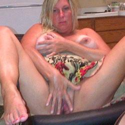 Sweet Gabby Gurl Loves The Camera - Big Tits, Masturbation