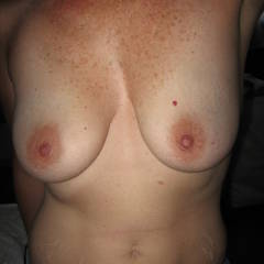 Large tits of my room mate - Beth