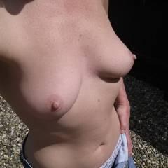 Medium tits of my wife - Sooo HOT !
