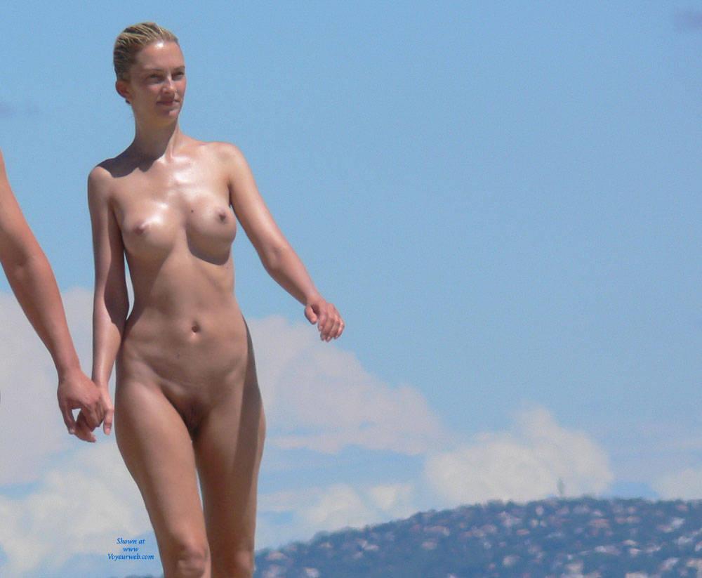 Hot busty italian nude