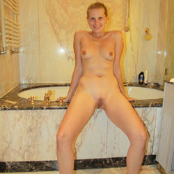 Bri Taking A Bath - Shaved