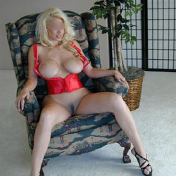 Busty Judy - Big Tits, Blonde, Lingerie