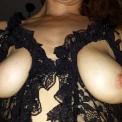 Paseando por la Casa - Big Tits, Lingerie