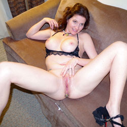 Fiona - Big Tits, High Heels Amateurs, Lingerie, Shaved, Toys
