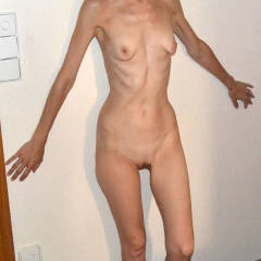 Very small tits of my girlfriend - Yoli