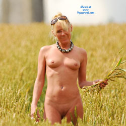 Country Walk - Blonde